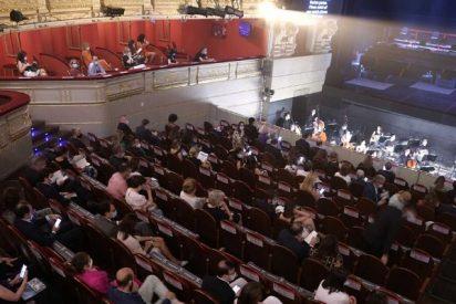 Sin abrazos y con mascarillas: así regresa 'La Traviata' al Teatro Real