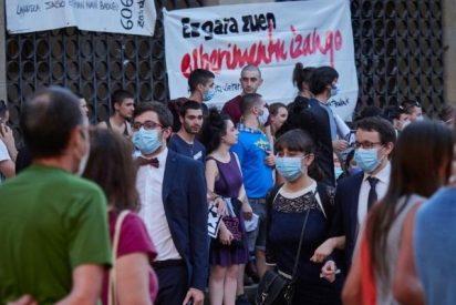 Medio centenar de presos de ETA trasladados a cárceles cercanas al País Vasco gracias a Pedro Sánchez