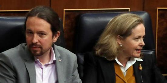 Doble derrota de Calviño: revés en Europa y envalentonamiento de su enemigo Iglesias en España
