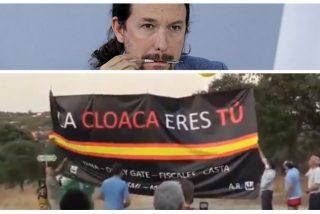 """La nueva protesta de los vecinos de Galapagar contra Pablo Iglesias viene con recado: """"¡La cloaca eres tú!"""""""
