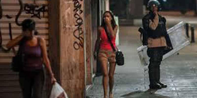 Feminicidios, prostitución forzada y sexo por comida: un informe demoledor de la ONU desvela cómo viven las mujeres en Venezuela