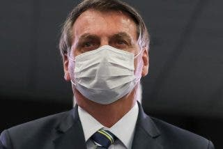 """Bolsonaro no se vacunará porque el COVID-19 """"es como la lluvia"""""""