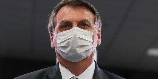 """Bolsonaro no se fía de la vacuna china del COVID y advierte que no se hará responsable de """"efectos secundarios"""""""