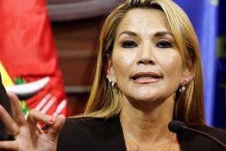 """La presidenta de Bolivia 'revienta' el fraudulento negocio Evo y la dictadura cubana: """"Menos de un tercio eran médicos"""""""