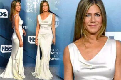 Jennifer Aniston: el mítico vestido con la que la actriz santificó el movimientro 'free the nipple'