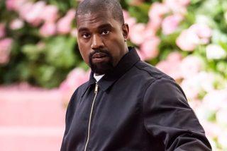 A favor de las armas y un millón de dólares por bebé: Kanye West desata la locura en su primer mitin electoral