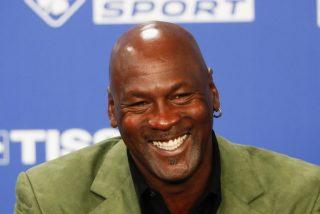 Michael Jordan humilla en un partido de baloncesto callejero a unos adolescentes que no sabían quién era el 'viejo'