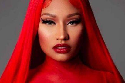 """Le falla el vestuario a Nicki Minaj y ella misma lo confiesa todo: """"No traía nada debajo, sentí que moría"""""""