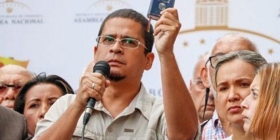 El régimen de Maduro 'secuestra' a Nicmer Evans, el director de un medio crítico a la dictadura