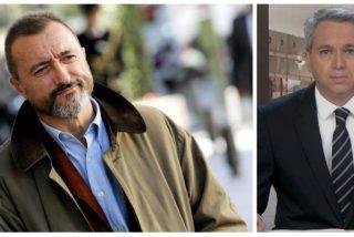 Arturo Pérez-Reverte revoluciona Twitter con un encendido apoyo a Vicente Vallés