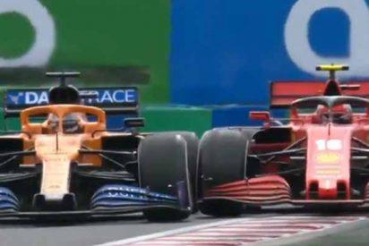 Carlos Sainz, con un par en el GP de Hungría: adelanta a su futuro compañero de Ferrari en uno de los circuitos más lentos de la F1