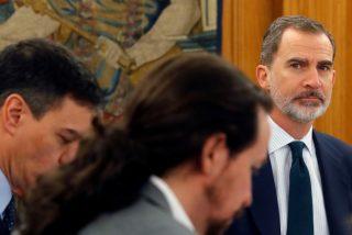 """Las viejas glorias del PSOE se rebelan contra Sánchez por su """"deslealtad"""" al Rey Felipe VI"""
