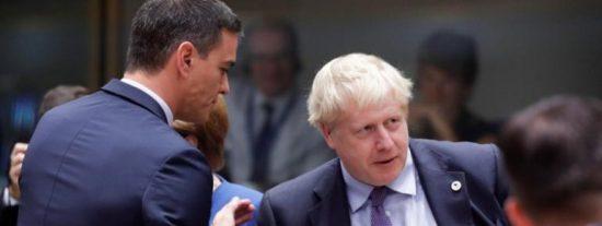 Reino Unido no se fía de España, da un mazazo brutal al turismo y deja en ridículo a Sánchez