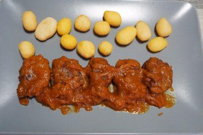 Carrilleras de cerdo a los tres vinos con canela: una receta para impresionar