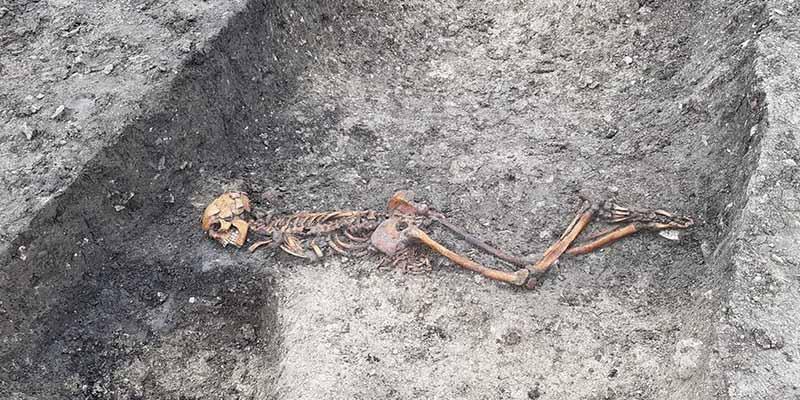 Reino Unido: encuentran los restos de un hombre que fue atado, asesinado y enterrado en la Edad del Hierro