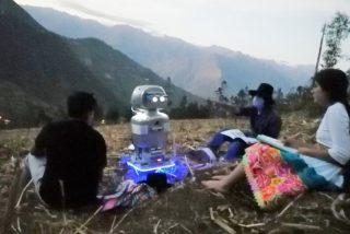 """Kipi"", el ""Robot-profesor"" que da clases en las zonas pobres del Perú"