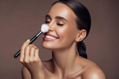 Maquillaje en polvo para piel grasa