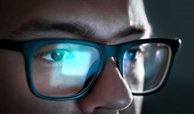 luz azul ojos