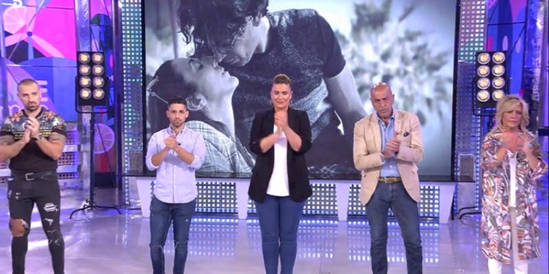"""Carlota Corredera y Belén Esteban, destrozadas por la muerte del marido de Paz Padilla: """"Es el día más triste de 'Sálvame'"""""""