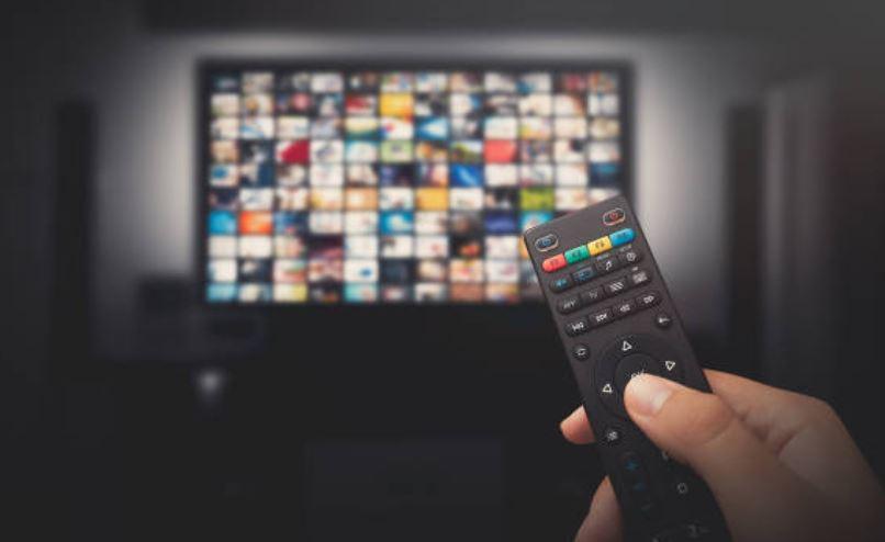 Televisores, barras de sonido y proyectores con descuento