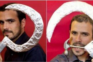 """El comunista Garzón, el ministro más inútil de la UE, llama """"prófugo"""" a Juan Carlos I y se queja de que el juez empapele a Podemos"""