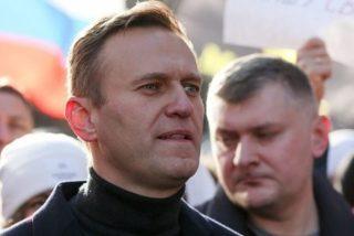 Putin envía a la policía rusa a allana el piso del opositor Alexei Navalny