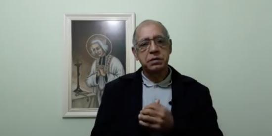 """El cura Antonio Firmino: """"Espero que no haya vacuna para las personas que no van a la Iglesia o que mueran antes"""""""