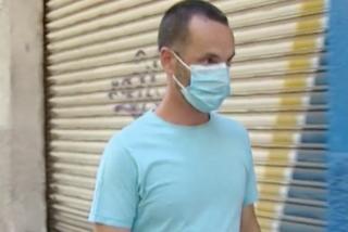 Un vecino de Mataró rescata su casa mientras los «okupas» están de vacaciones en Ibiza