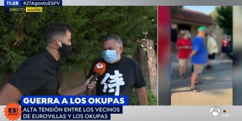 """Un vecino afectado por la 'peste okupa' explota en pleno directo: """"La culpa la tiene el Gobierno, no vale ni para tomar por culo!"""""""