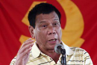 El presidente Duterte pide a los filipinos que laven las mascarillas con gasolina