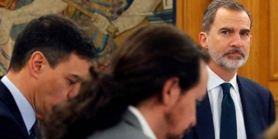 Jaque mate de los españoles a Sánchez e Iglesias: se dispara el apoyo a Felipe VI
