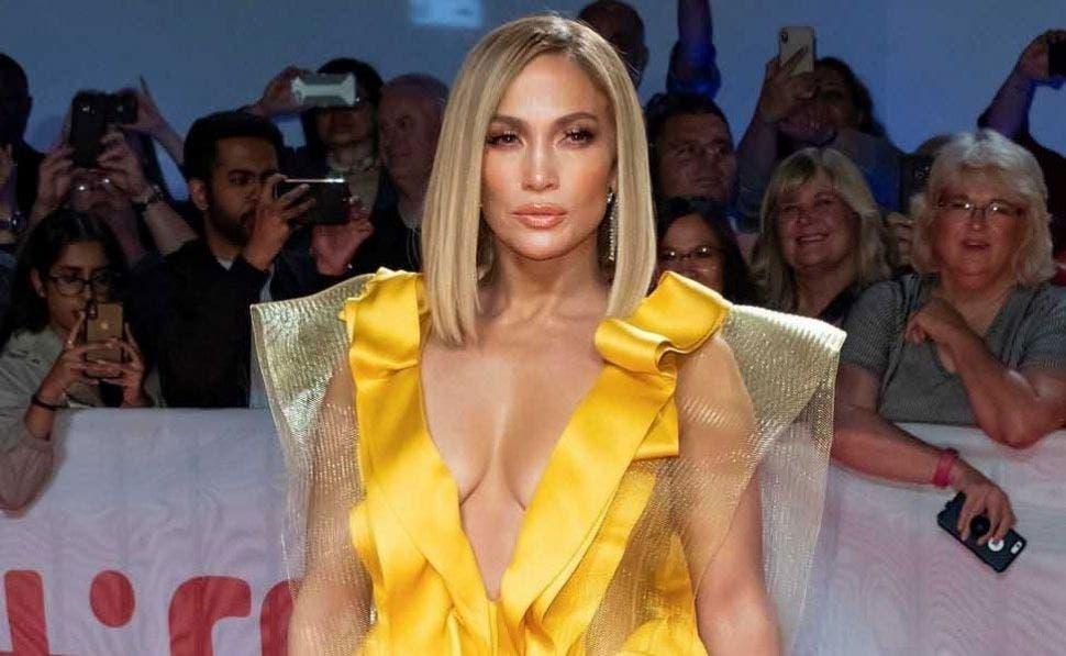 El sensual 'selfie' de Jennifer Lopez en un ajustado traje de baño