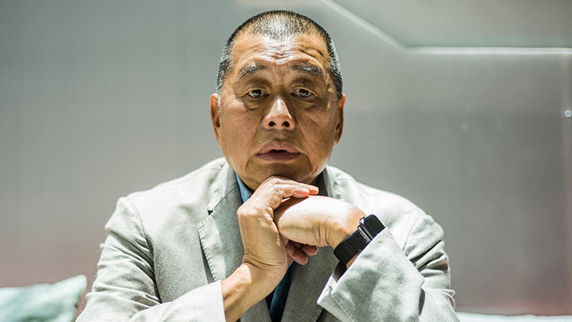 Quién es Jimmy Lai, el dueño de periódicos de Hong Kong encarcelado por defender la democracia