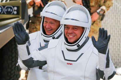 Los astronautas de SpaceX regresaron con suspense a la Tierra