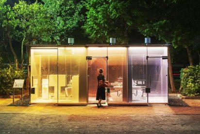 El inusitado éxito de los baños públicos con paredes transparentes instalados en Tokio