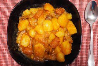 Patatas con chistorra y setas, un guiso sensacional y sabroso