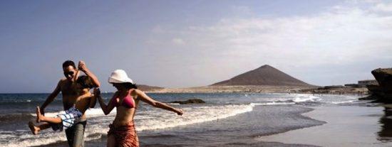 Canarias pagará a los turistas la repatriación y los gastos que tengan si se contagian de coronavirus
