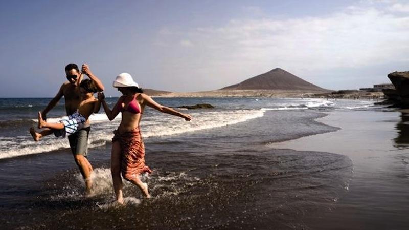 Touroperadores alemanes ven posible los viajes a Canarias la próxima Semana Santa