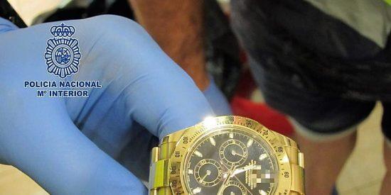 Una rumana seduce a un hombre para robarle un reloj y cadena valorados en 10.000 euros