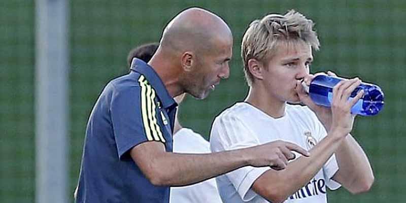 Zidane decide lo obvio tras la abrupta caída del Madrid en Champions: vuelve Martin Odegaard