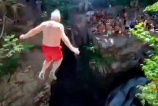 Un anciano se lanza desde un acantilado y vídeo se hace viral
