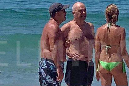 Cazado: Chaves, esperando recurso de los ERE, en la playa con el ministro de Justicia y Meritxell Batet