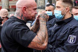 Casi 20 agentes de Policía heridos tras una violenta protesta en Berlín contra las restricciones por el COVID-19