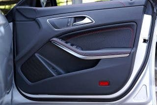 ¿Sabías que el sonido de la puerta de tu coche cuando lo cierras, solo está diseñado para que te sientas bien?