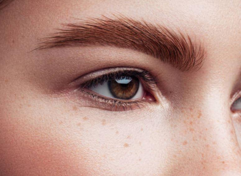 Remedios para hacer crecer las cejas más rápido