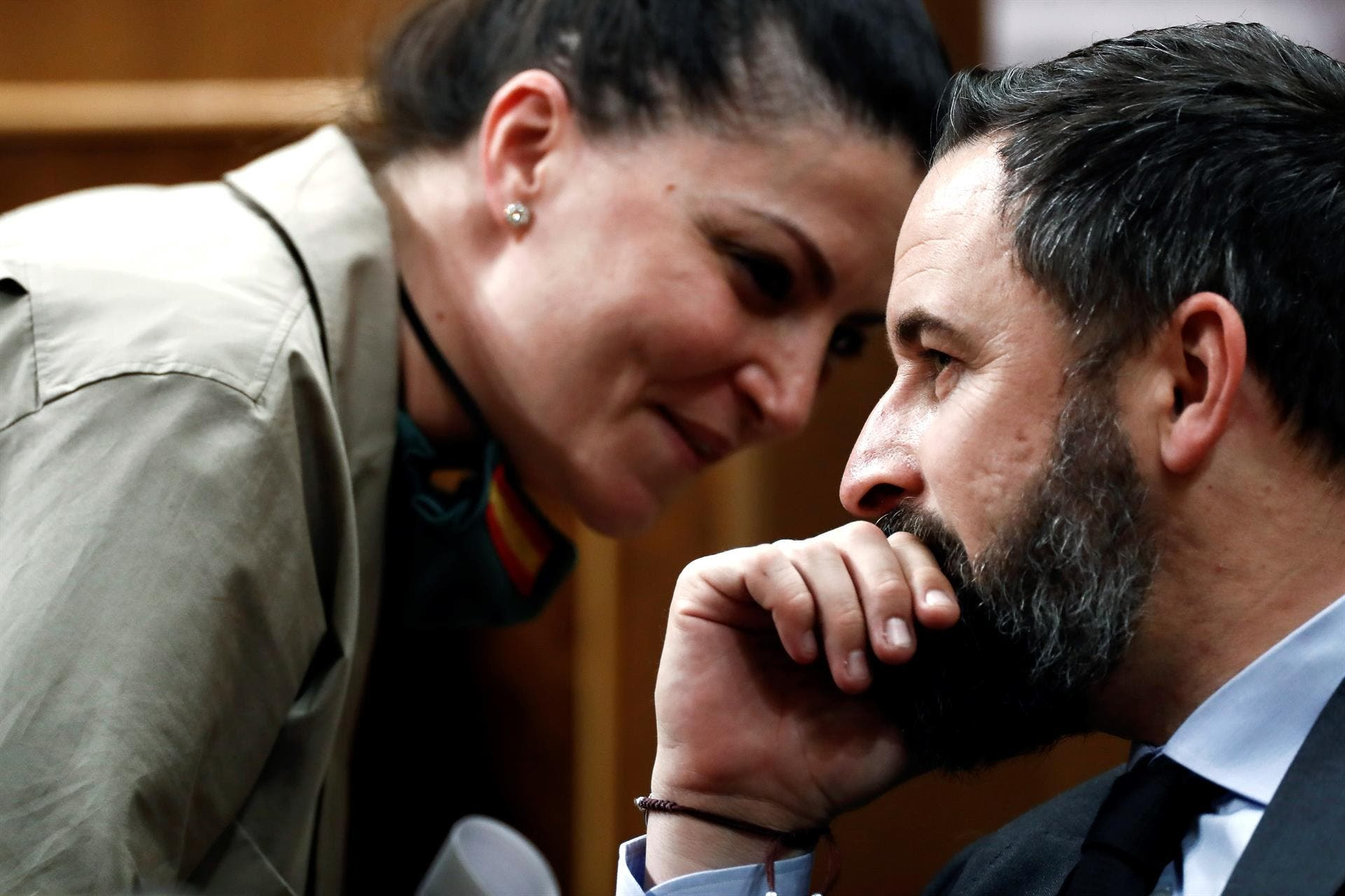 """Olona desnuda al Gobierno: revela la receta que el """"autoritario"""" Sánchez """"está cocinando"""" para ilegalizar a VOX"""