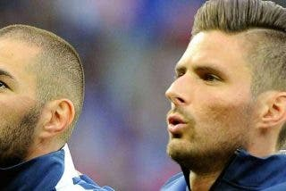 Giroud reabre el 'fuego' contra Benzema y dice que no fichó por el Olympique de Lyon por 'culpa' de él
