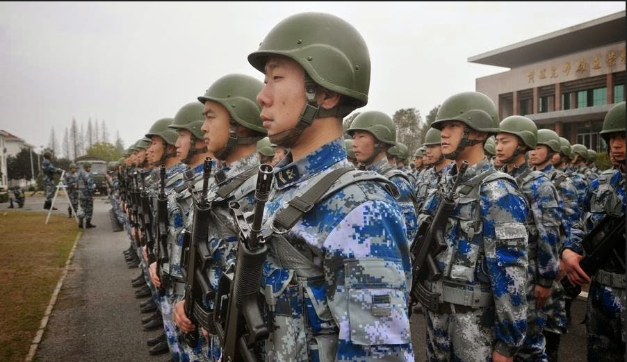 China manda 300 paracaidistas al Himalaya e India saca a su tropa de elite secreta