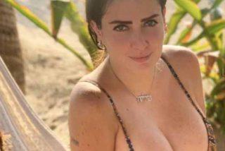 Celia Lora presume de su cuerpo de sirena con un bikini diminuto