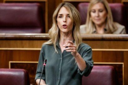 Álvarez de Toledo confiesa cómo se siente al ser 'youtuber' y despeña a Sánchez